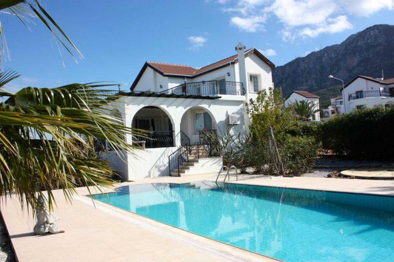 Girne Lapta kiralık villa