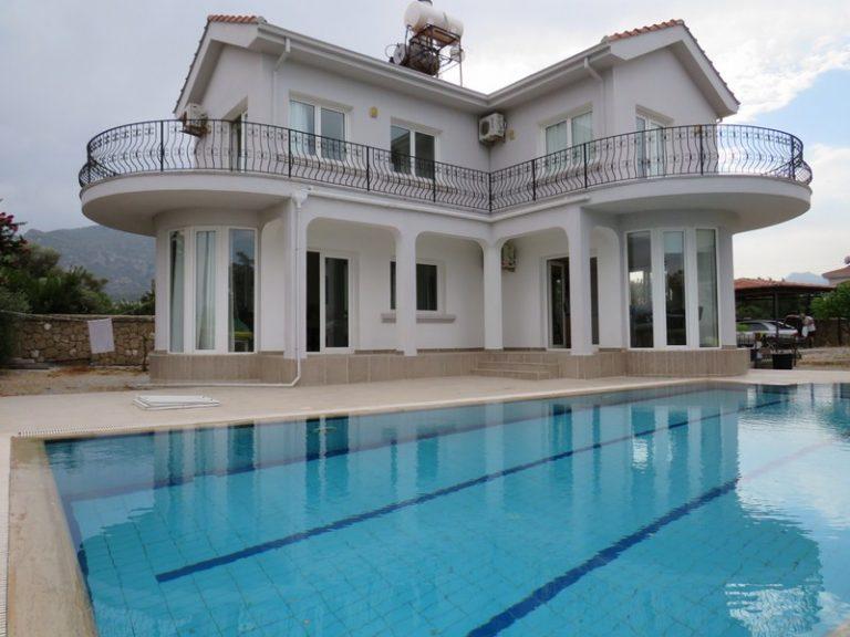 Girne Ozanköy kiralık villa