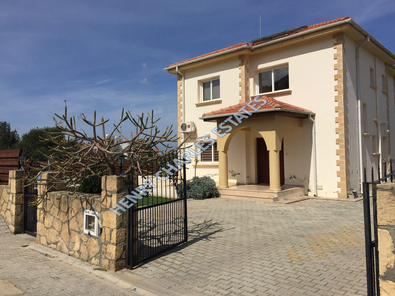 Girne Alsancak kiralık villa