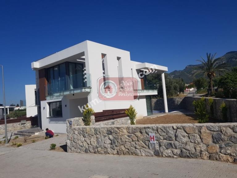 Girne Ozanaköy'de 3+1 Satılık Müstakil Ev